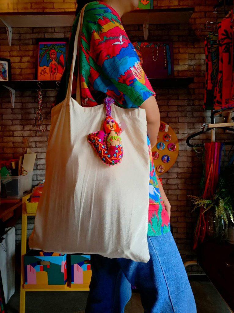 กระเป๋าผ้าและกุญแจนางเงือก