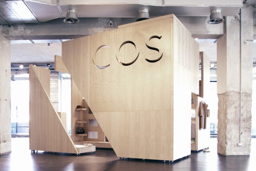 COSxGaryCard-SalonedelMobile-2012